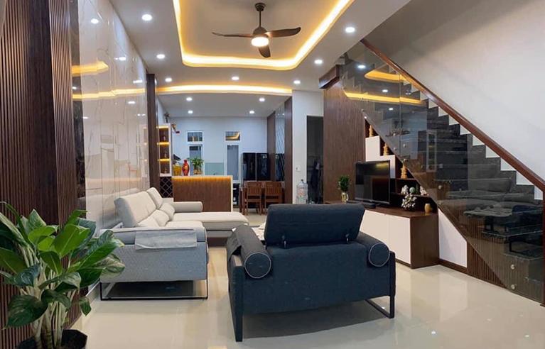 DNVL36 - Villa 3 phòng ngủ trung tâm thành phố